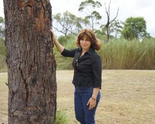 305x244_305x244_Roseanna against tree