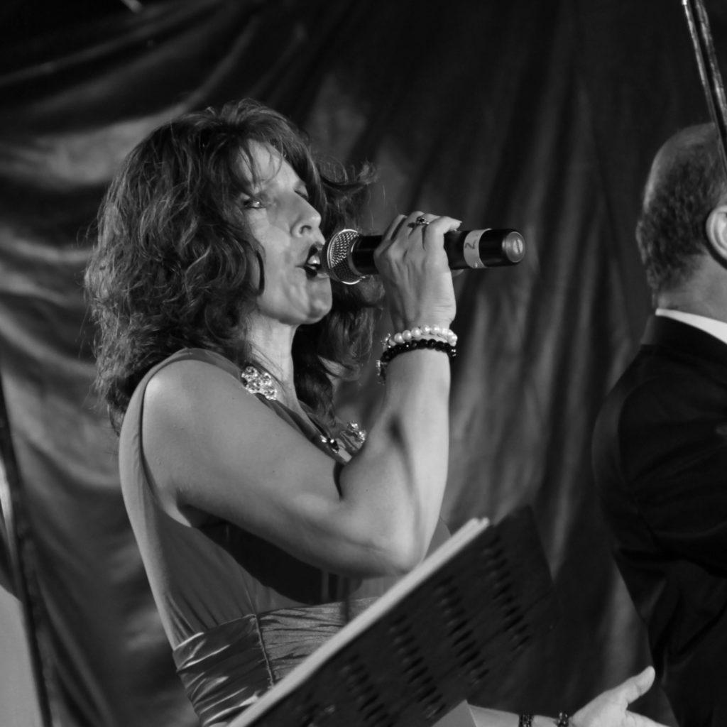 Roseanna Gallo Singer Entertainer